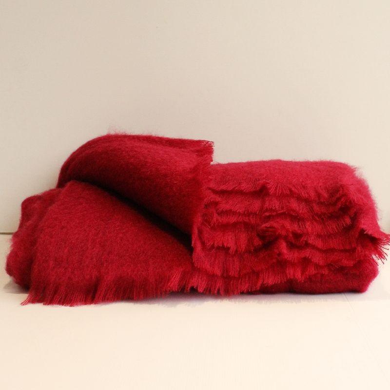 les couvertures en pure laine mohair. Black Bedroom Furniture Sets. Home Design Ideas
