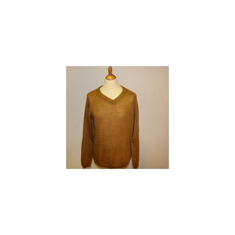 pull col v homme en laine mohair de chevreau et soie la. Black Bedroom Furniture Sets. Home Design Ideas